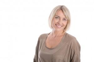 Portrait einer attraktiven glcklichen blonden Frau: Russin